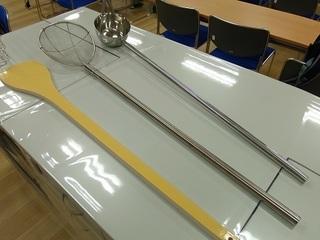 005 17.12.07 002 巨大な調理器具.jpg