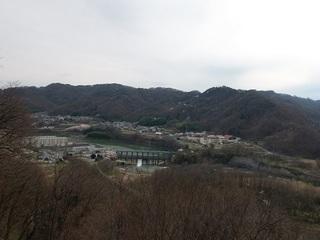 024 17.04.20 信州日帰り旅 056 懐古園から眺める千曲川.jpg