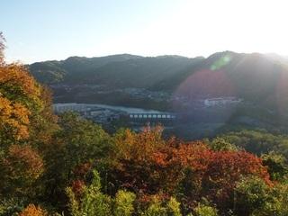 14.10.30 秋の信州小旅行 166 千曲川と紅葉.jpg