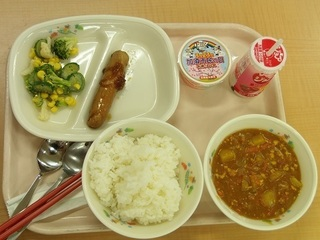 002 18.03.20 004 市民の日イベント・給食試食会.jpg