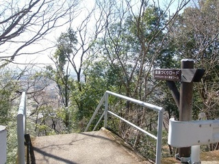 18.02.08 012 三毳神社奥社への参道.jpg